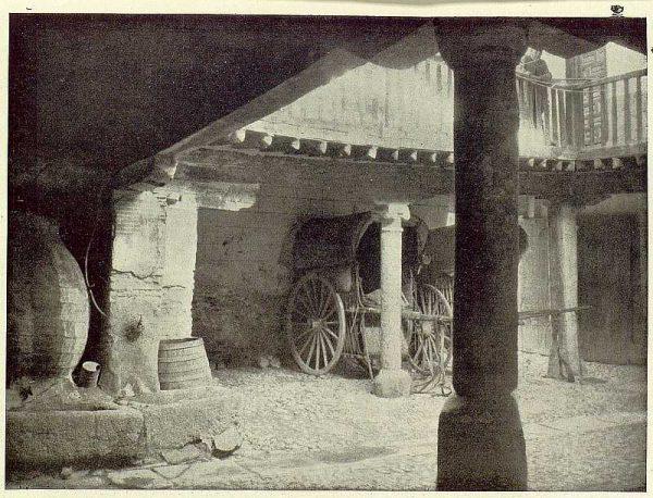 0829_TRA-1929-263-Posada de la Sangre, patio-Foto Rodríguez
