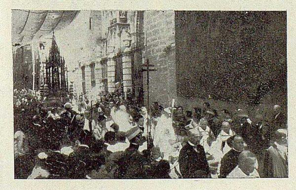 0854_TRA-1929-267-Procesión del Corpus-03-Foto Rodríguez