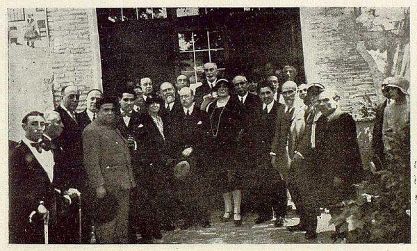 0864_TRA-1929-269-Exposición Regional de Bellas Artes e Industrias, Sinagoga de Santa María la Blanca, despues de la inauguración-Foto Rodríguez