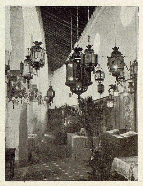 0872_TRA-1929-269-Exposición Regional de Bellas Artes e Industrias, Sinagoga de Santa María la Blanca, faroles artísticos-Foto Rodríguez