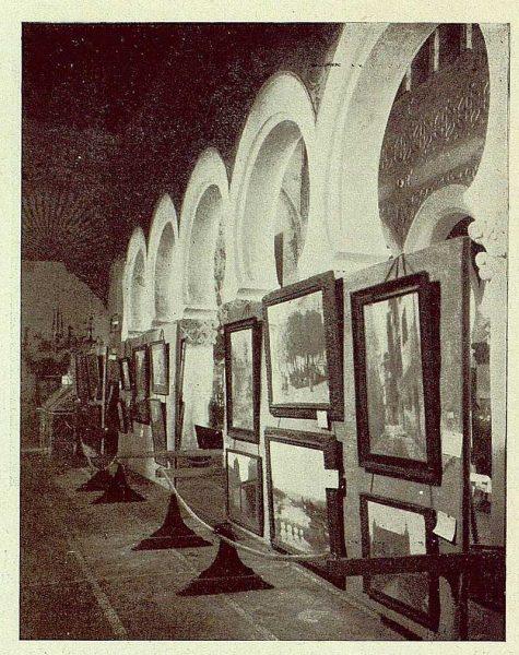 0878_TRA-1929-269-Exposición Regional de Bellas Artes e Industrias, Sinagoga de Santa María la Blanca, nave lateral cuadros-Foto Rodríguez
