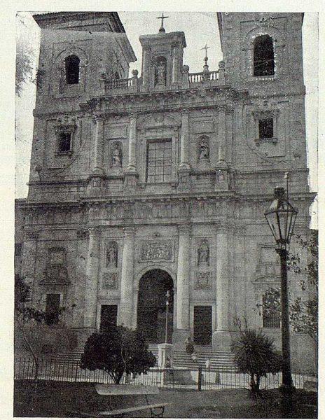 087_TRA-1923-191-Fachada de la iglesia de San Ildefonso