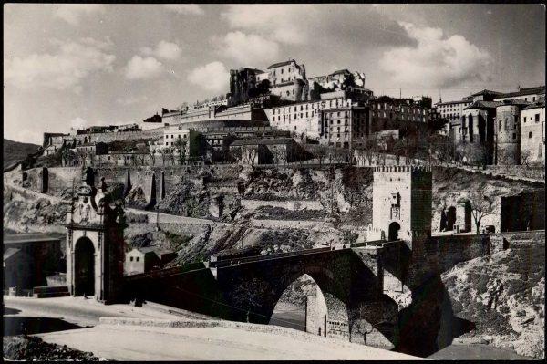 09 - 1952-11-00 - 002 - Toledo - Puente de Alcántara y vista parcial