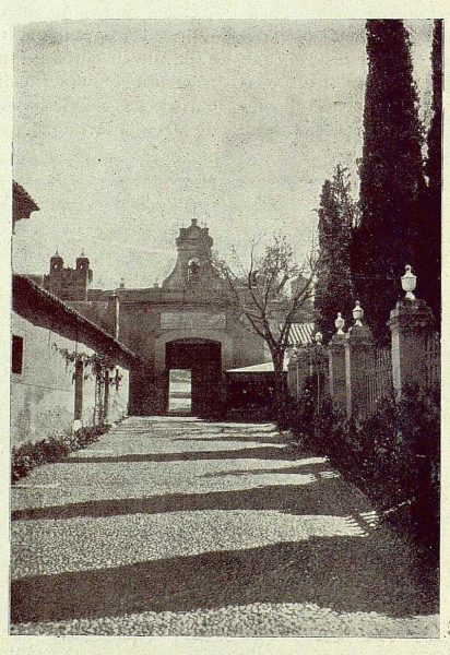 0910_TRA-1929-274-Ermita del Cristo de la Vega, patio empredado-Foto Rodríguez