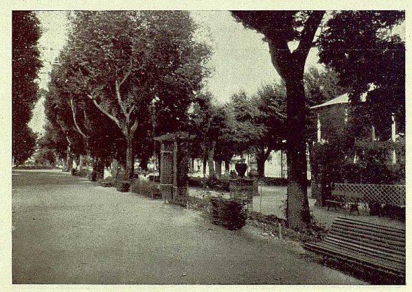 0912_TRA-1930-275-Talavera, paseo del Prado, detalle del paseo central-01-Foto Rodríguez