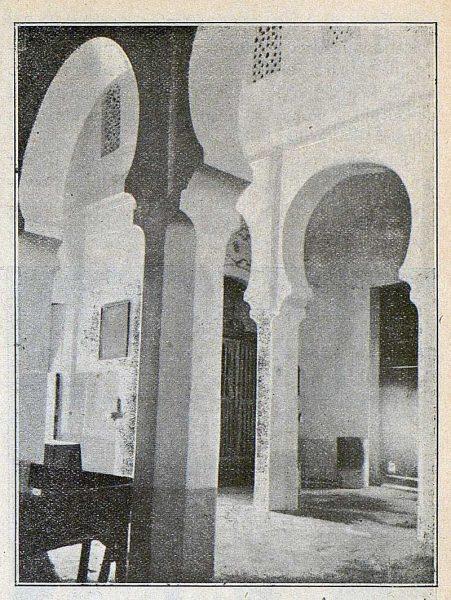 091_TRA-1917-069-Vista de la iglesia de San Lucas, interior vista transversal
