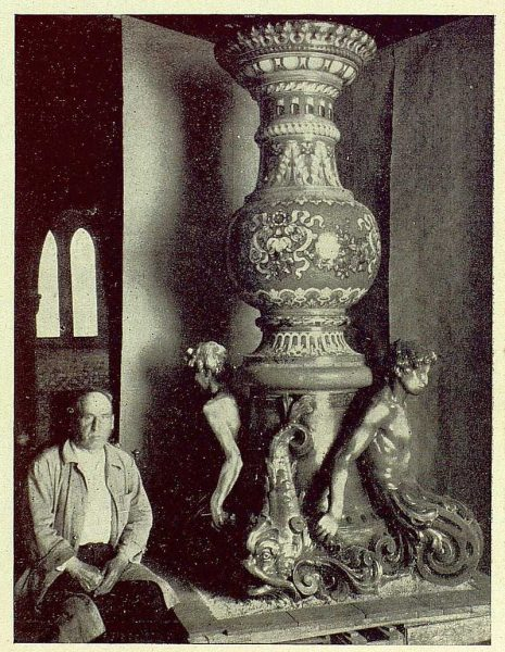 0926_TRA-1930-279-Rosario-Argentina, regalo de una fuente de cerámica de Ruiz de Luna-Foto Rodríguez