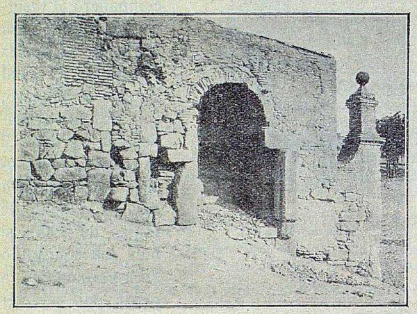 0930_TRA-1916-064-Puerta de Doce Cantos-Foto Román