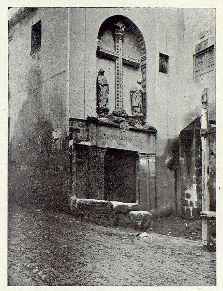 0948_TRA-1922-189-Puerta del antiguo convento de San Juan de los Reyes-Foto Román