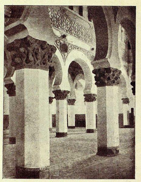 0959_TRA-1928-262-Sinagoga de Santa María la Blanca, detalle del interior-02-Foto Román