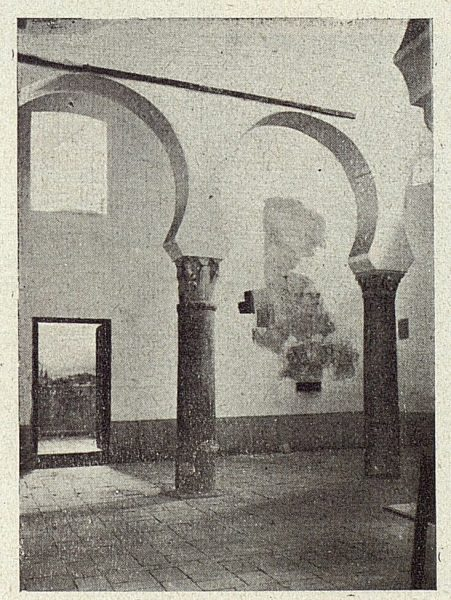095_TRA-1918-098-Iglesia de San Sebastián, arquerías