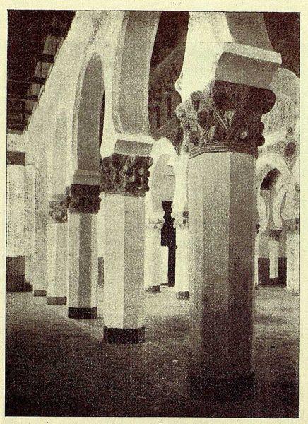 0965_TRA-1928-262-Sinagoga de Santa María la Blanca, vista general del interior-Foto Román