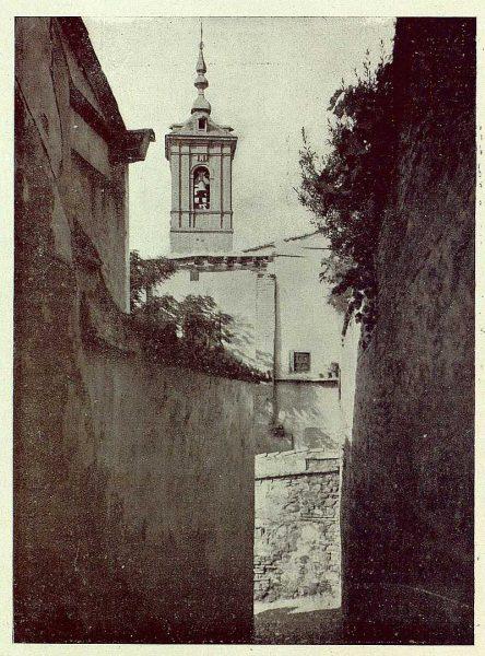 0967_TRA-1929-271-Iglesia de San Lorenzo, desde la calle de la rensa de San Lorenzo-Foto Román