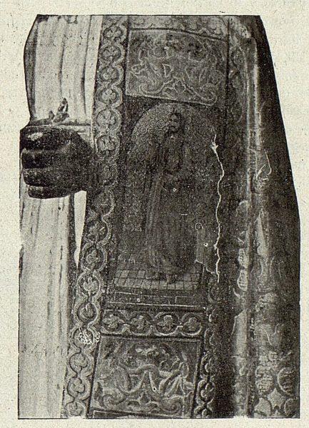 100_TRA-1918-098-Iglesia de San Sebastián, estatua de San Pedro-02