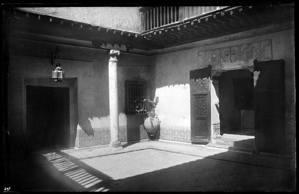 104 - Toledo - Patio de la Casa del Greco