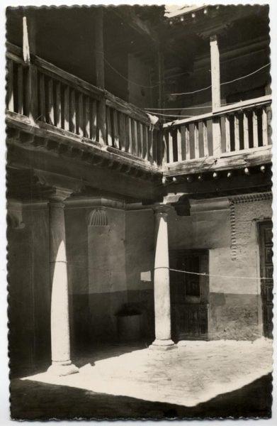105 - Toledo - Patio típico