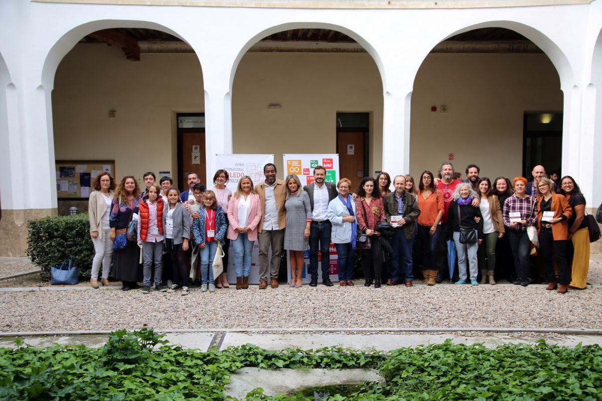 """https://www.toledo.es/wp-content/uploads/2019/10/10_foto_cultura_paz-1200x800.jpg. Milagros Tolón mantiene que el apoyo de su gobierno a la cooperación """"es total"""" y obedece a sus convicciones"""