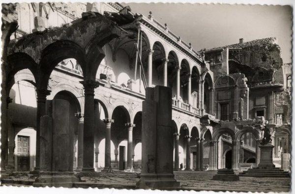 11 - 1947-07-00 - 073 - Toledo - Ruinas del Alcázar