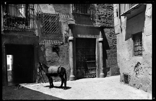 11 - 1958-06-00 - 007 - Toledo - Rincón típico [Casa de las Cadenas]