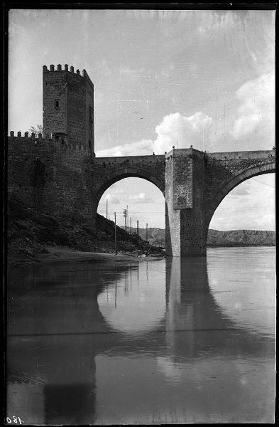 11 - 1958-06-00 - 180 - Toledo - Puente de Alcántara. Detalle