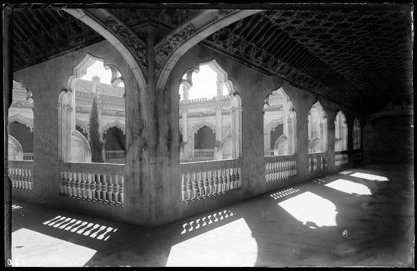 120 - Toledo - San Juan de los Reyes. Galería alta del Claustro