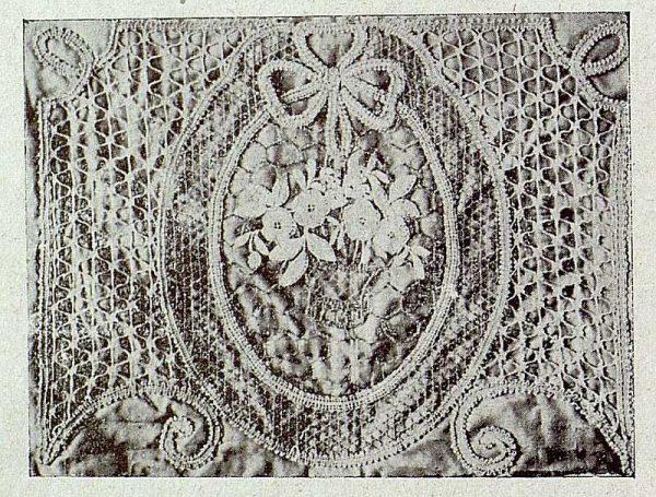 121_TRA-1921-164-Escuela de Artes y Oficios, almohadón-Foto Rodríguez