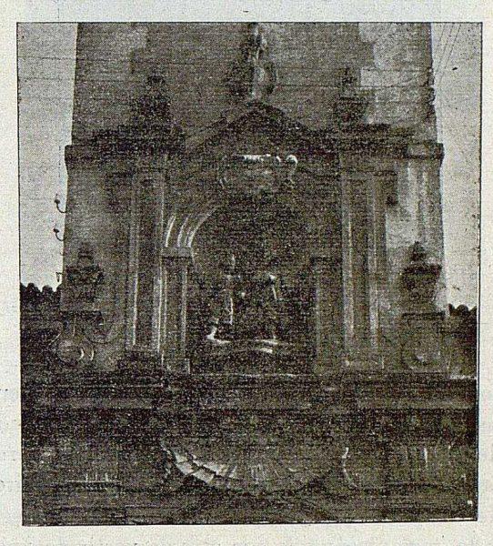 121_TRA-1921-174-Grupo de los Santos en la Iglesia de los Santos Justo y Pastor