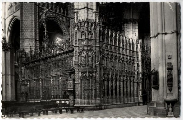 124 - Toledo - Catedral. Altar Mayor. Verja y parte lateral de la Epístola
