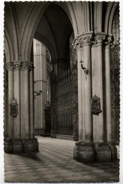 130 - Toledo - Catedral. Columnas