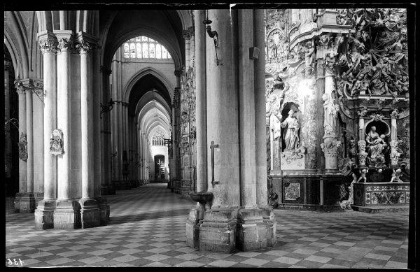 136 - Toledo - Catedral. Nave de la Epístola y Transparente