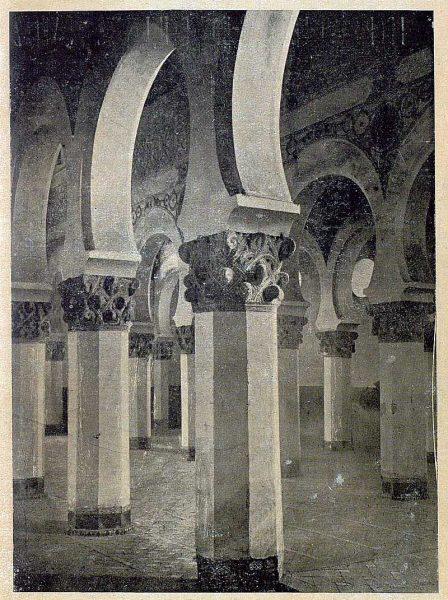 147_TRA-1920-146-Interior de Santa María la Blanca-Foto González Nieto