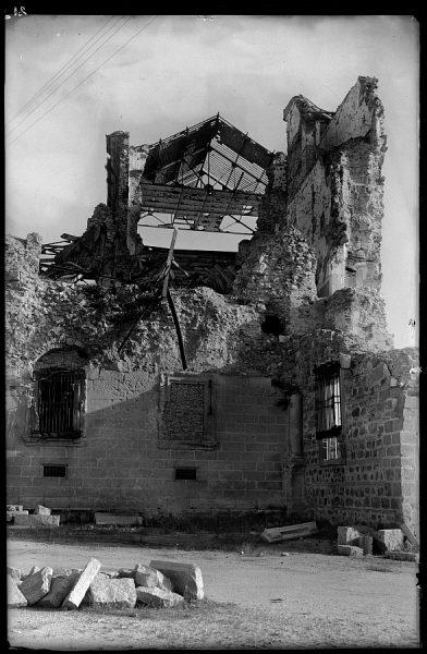 15 - 1947-07-00 - 021 - Toledo - Ruinas del Alcázar