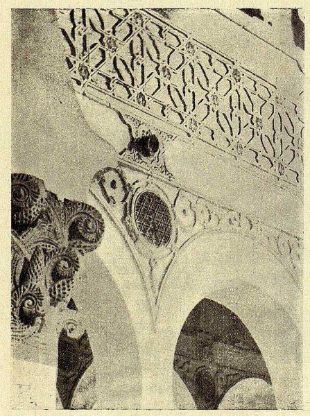 151_TRA-1928-262-Sinagoga de Santa María la Blanca, detalle de la parte alta-Foto Román