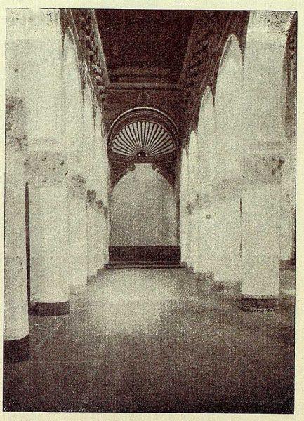 156_TRA-1928-262-Sinagoga de Santa María la Blanca, nave lateral-02-Foto Román