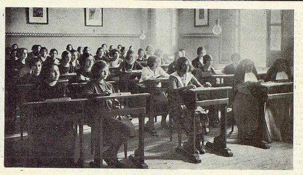 157_TRA-1923-194-Escuela Normal de Maestras, salón de estudio-Foto Rodríguez