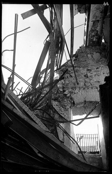 16 - 1947-07-00 - 099 - Toledo - Ruinas del Alcázar