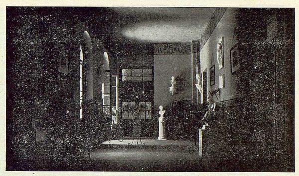 161_TRA-1923-194-Escuela Normal de Maestras, vestíbulo-Foto Rodríguez