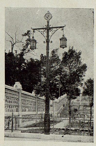 165_TRA-1920-145-Estación, detalle del jardín