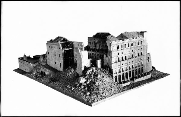183 - Toledo - Maqueta del Alcázar en ruinas