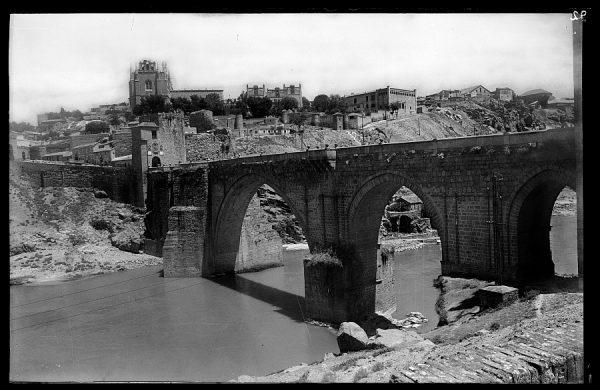19 - 1947-07-00 - 092 - Toledo - Puente de San Martín sobre el río Tajo