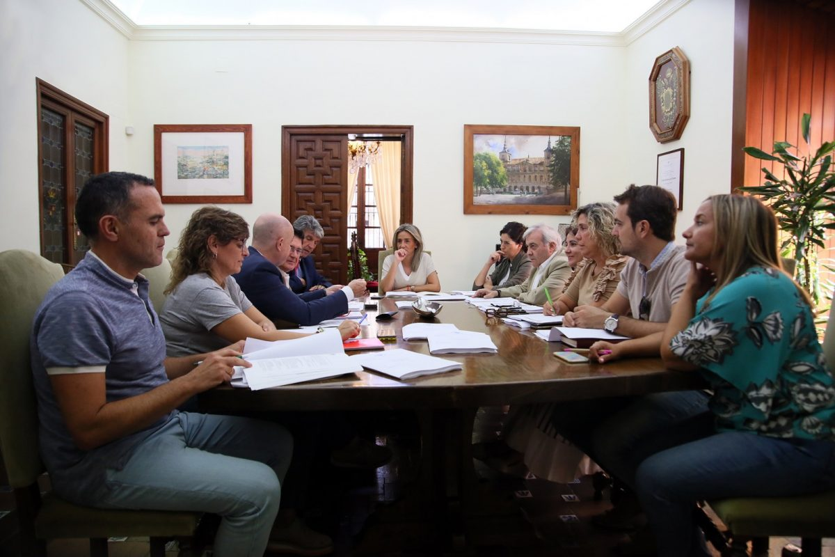 https://www.toledo.es/wp-content/uploads/2019/10/20191003_jgl-1200x800.jpg. Adjudicadas ayudas por importe de 250.000 euros para proyectos de cooperación internacional y educación para el desarrollo