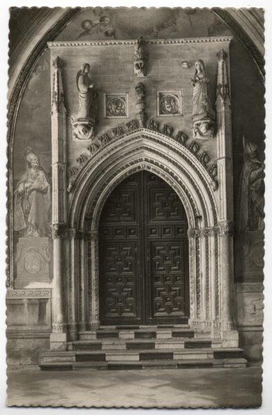 23 - 127 - Toledo - Catedral. Claustro. Puerta de la capilla de San Blas