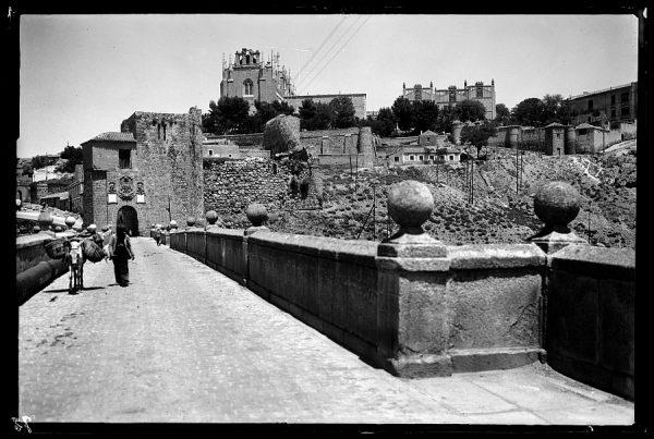 23 - 1947-07-00 - 072_1 - Toledo - Puente de San Martín