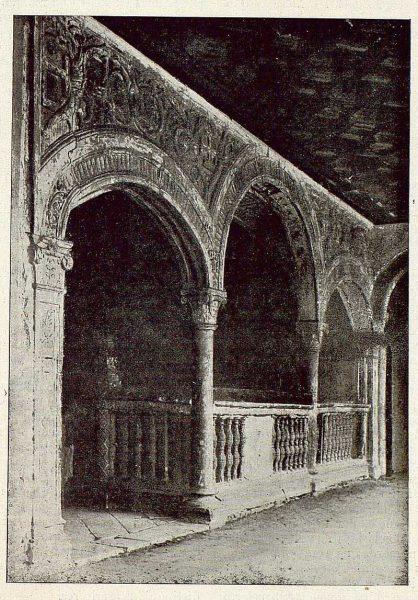 250_TRA-1921-178-Escalera de Santa Cruz de Mendoza-Foto Clavería