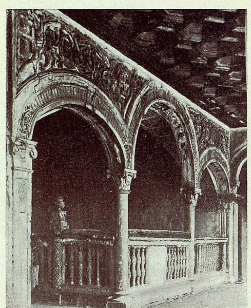 259_TRA-1927-243-Hospital de Santa Cruz, rehabilitación de la escalera
