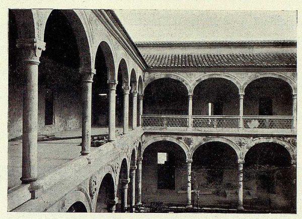 261_TRA-1927-243-Hospital de Santa Cruz, rehabilitación del patio-Foto Rodríguez