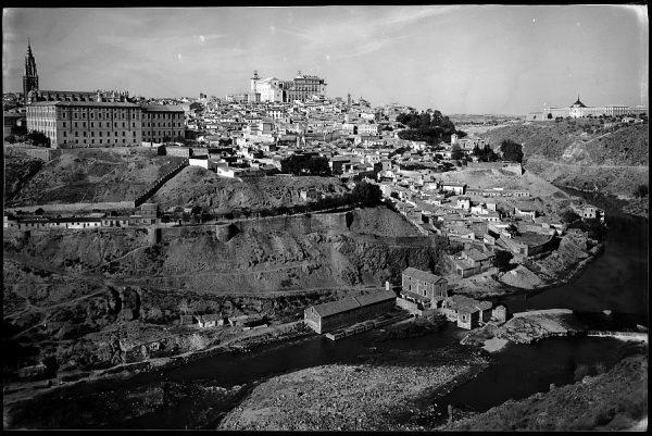 28 - 1961-04-00 - Toledo - Vista parcial_2