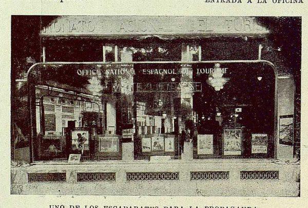 299_TRA-1929-273-Oficina de Información y Turismo, escaparate