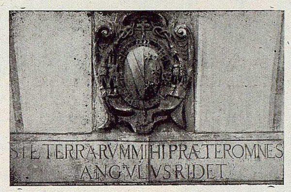 311_TRA-1921-175-Palacio de Buenavista, escudo de la puerta
