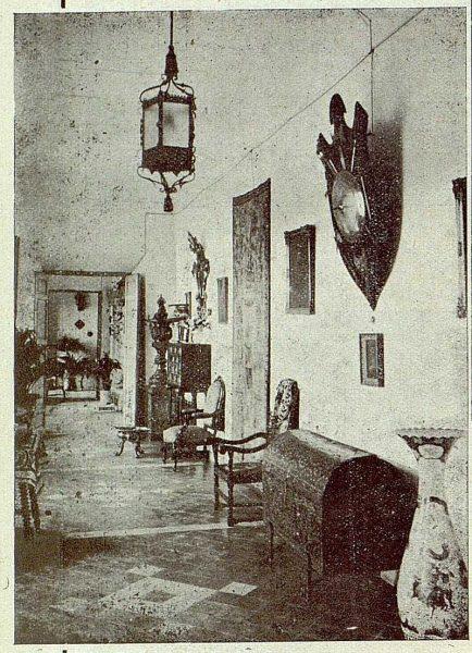 317_TRA-1921-175-Palacio de Buenavista, una galería